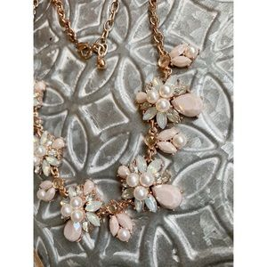 Francesca's Collections Jewelry - Francesca's Rose Gold Statement Necklace